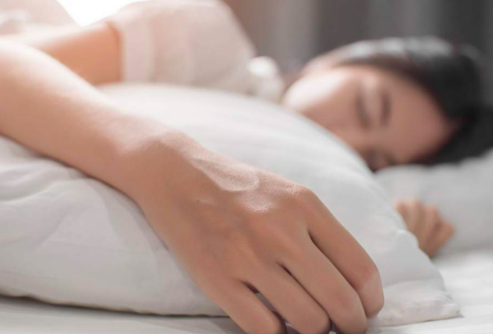 Sleep-enough-adequate-health-skin-improvement-dark-circles-remove